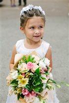 Подружка невесты:)