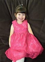 Есения - настоящая маленькая принцесса!
