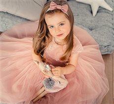 Принцесса в ожидании бала)