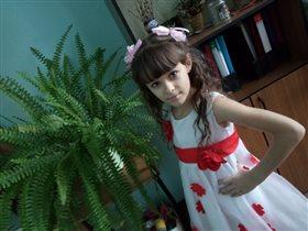Маленькая, но уже принцесса!!!