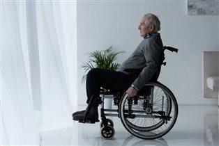 Сопровождение инвалидов в поездках: где найти, как помочь