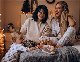 Рита Дакота с дочкой и мамой: 'Я кормилец в своей семье'