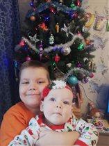 Детки уже ждут под елочкой подарков