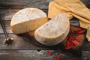 Ресторан 'Коптильня': собственные твердые и мягкие сыры, колбасы - в блюдах и навынос