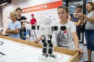Голограммы и беспилотники: что еще ждет участников акции «День без турникетов»