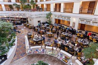 Сезон бранчей в отеле Марриотт Ройал Аврора