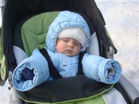 Мы люди северные,спим на морозе)