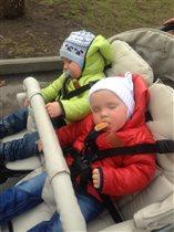 Кому слаще спится?))))