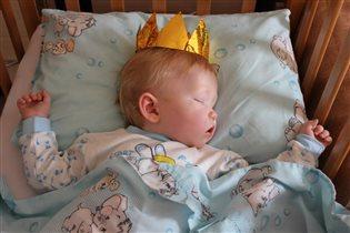 Царь почивать изволил!