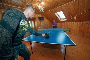 Партия в пинг-понг с психологом центра
