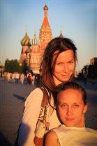 А я шагаю по Москве.