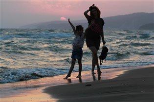 Вечер, море, дочка, я, рюкзак)