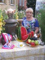 По мотивам картины Кустодиева 'Купчиха за чаем'