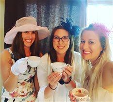За чашкой чая с подругами!