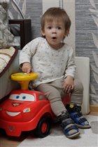 Любимый автомобиль для маленького мужчины!