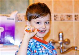 Утром две минутки чищу себе зубки!