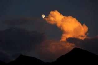 Закат в горах Кавказа