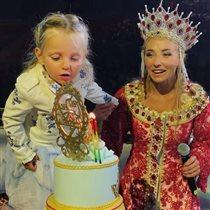 Татьяна Навка: 4 года дочери и торт для девочки
