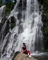 лето- горы, солнце, водопады)