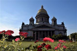 Величие Исакиевского собора