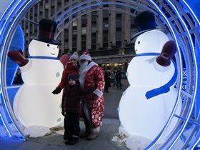 Дед Мороз под надёжной охраной