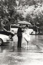 А выходить замуж в дождь хорошая примета!