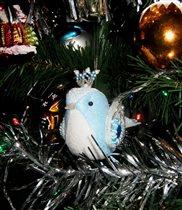Птичка на елке :)