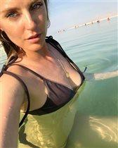 Саша Савельева в купальнике