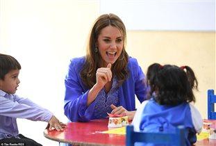 Принц Уильям и Кейт Миддлтон в Пакистане: 'Меган, смотри, как надо себя вести!'