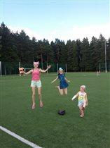 Спортивная игра - кто выше прыгнет ?)
