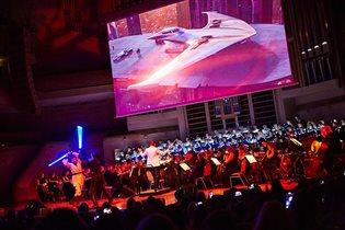 Симфоническая ёлка: мультимедийное шоу
