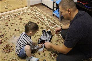 Мальчики играют)))