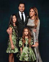 Александра Ревва с женой и дочками: 'Семья РА поздравляет вас!'