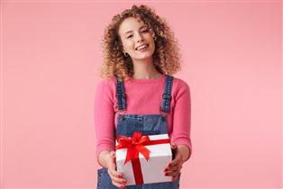 Подарки на 8 марта: что не обрадует женщин