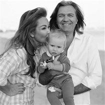 Дмитрий Маликов: фото с 56-летней женой и годовалым сыном