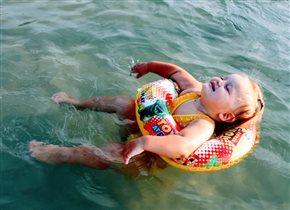 Плыть и плыть. Плыть и плыть.