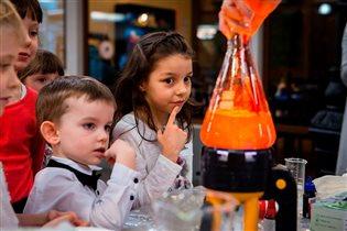 Как увлечь детей наукой: самые крутые научные площадки 'Открытой лабораторной'