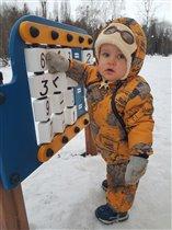 Сначала матемаика, а потом можно и в снежки поигра