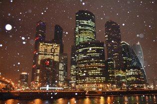 Мартовский снег в Москва-сити)