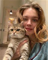 Наталья Водянова: селфи с котом и без макияжа. Кто популярнее: кот или бабушка?