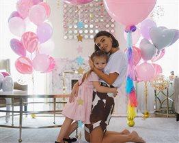 Елена Темникова: фото с мужем и дочкой - 4 года малышке