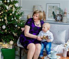 Новогодние хлопоты, внука с бабулей!