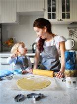 С мамой на кухне так интересно!