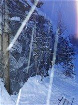Мрамор в снегу