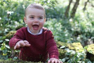 Третьему ребенку Уильяма и Кейт - 1 год: фото от мамы