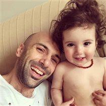 Евгений Папунаишвили: фото с годовалой дочкой - 'ягодка грузинская'