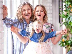 Игорь Николаев с женой празднуют 'половину' дня рождения дочери