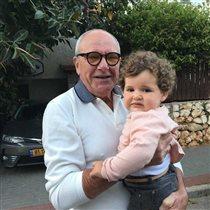 Эммануил Виторган с годовалой дочкой: 'Похожа на брата Максима'