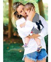 Cветлана Лобода: первое фото с дочерью - 'Нашей любви 1 год'