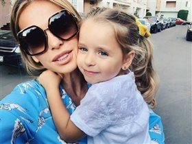 Анна Хилькевич со старшей дочкой: 'Дети - это наркотик какой-то!'